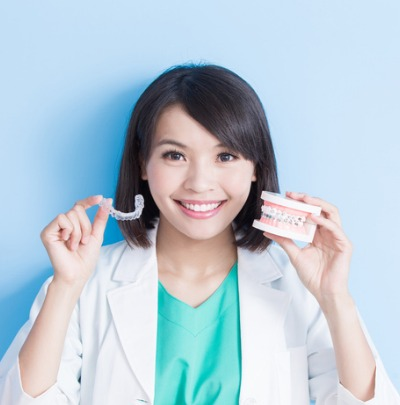 Invisalign Vs Braces (The Pros and Cons of Each)